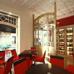 Ruang Komersial by perez ipar arquitectura  e decoração