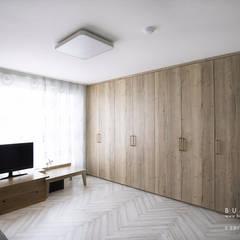 [30평]단 하나뿐인 나만의 공간 홈 인테리어 양재동파크사이드의 풀스토리 by 범블비디자인 30평대인테리어: 범블비디자인의  방
