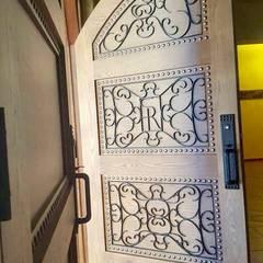 Projekty,  Drzwi drewniane zaprojektowane przez Athalia cocinas y Carpinteria
