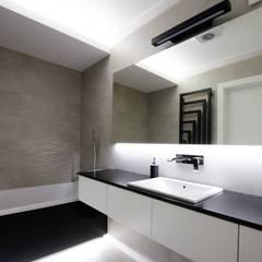 Łazienka gościnna: styl , w kategorii Łazienka zaprojektowany przez Ajot pracownia projektowa