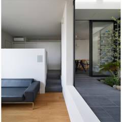 甲陽園の家2 / House in Koyoen 2: 藤原・室 建築設計事務所が手掛けたサンルームです。