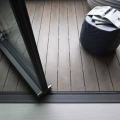 量身打造的恬靜:  地板 by 昕益有限公司
