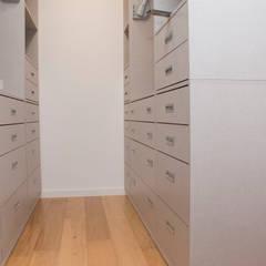 closet: Closets  por ORCHIDS LOFT