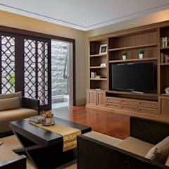 Ruang Keluarga:  Ruang Keluarga by ARF interior