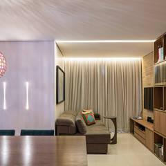 Salas / recibidores de estilo rústico por Stúdio Ninho