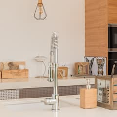 Cucinino in stile  di Moderestilo - Cozinhas e equipamentos Lda