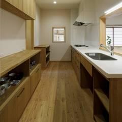 佐野市H邸: スタジオ・スペース・クラフト一級建築士事務所が手掛けたキッチンです。,
