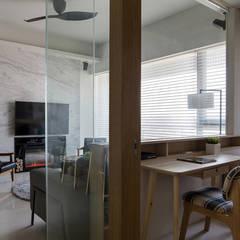 Ruang Kerja oleh 詩賦室內設計, Modern