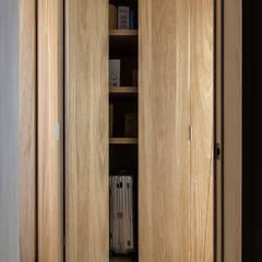 Portas  por 詩賦室內設計