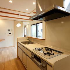 キッチン: シーズ・アーキスタディオ建築設計室が手掛けたキッチンです。