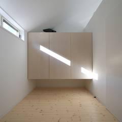 仙台・SOHOの家 OUCHI-18: 石川淳建築設計事務所が手掛けた和室です。,ミニマル
