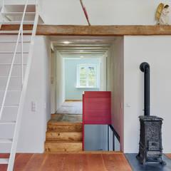 Renovierung Tenne Südschwarzwald:  Wohnzimmer von Hiram Floors
