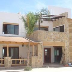 Villa door TECTUM Diseño & Construccion