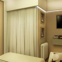 Quarto Menina: Portas  por MQ Design Interiores