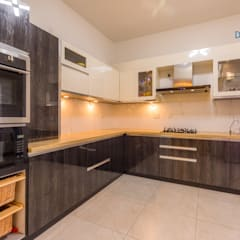 Vaishnavi Terraces, 3 BHK - Ms. Supriya:  Built-in kitchens by DECOR DREAMS