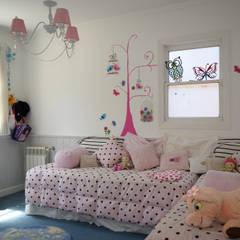 Casa en La Lucila: Dormitorios infantiles de estilo  por 2424 ARQUITECTURA
