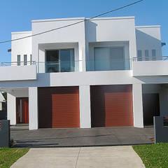 SANS SOUCI NSW - DUPLEX:  Multi-Family house by GAP DESIGNERS PTY LTD