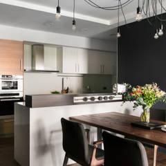 廚房與餐廳:  餐廳 by 邑田空間設計