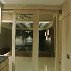 Open Concept Kitchen: modern Kitchen by FINE ART LIVING PTE LTD