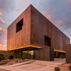 Perspectiva exterior: Edificios de Oficinas de estilo  por KOBALT ARQUITECTURA