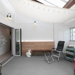 집안의 키즈카페, 용인 테라스 하우스 _ 이사 후 스칸디나비아 온실 by 홍예디자인 북유럽