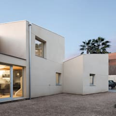 من AlbertBrito Arquitectura حداثي ألواح خشب مضغوط