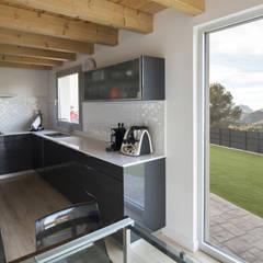 1403MM_Cocina. Vistas: Cocinas integrales de estilo  de AlbertBrito Arquitectura