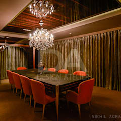 Conference Room with a dazzling chandelier:  Offices & stores by Design Atelier