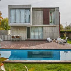 Vivienda en Soto del Real: Villas de estilo  de Alberich-Rodríguez Arquitectos
