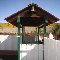Taquilla de entrada al parque: Restaurantes de estilo  por LITERAS DIVERTIDAS
