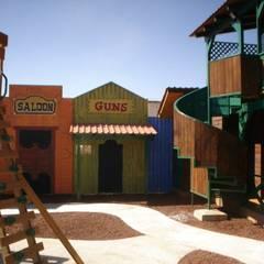 Escenografía en patio trasero: Restaurantes de estilo  por LITERAS DIVERTIDAS