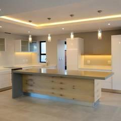 Kitchen by JFS Interiors, Modern