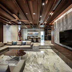 LUXURIOUS HOME:  Living room by inDfinity Design (M) SDN BHD