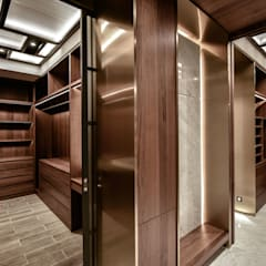LUXURIOUS HOME:  Dressing room by inDfinity Design (M) SDN BHD