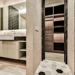 LUXURIOUS HOME:  Bathroom by inDfinity Design (M) SDN BHD, Modern