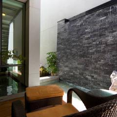 دیوار by 黃耀德建築師事務所  Adermark Design Studio