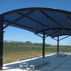 Garajes abiertos de estilo  de Hak yapı sistemleri