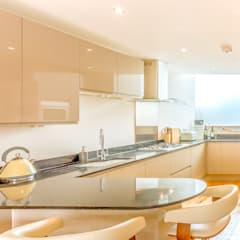 Huge, North Facing Glazing Illuminating the Kitchen :  Built-in kitchens by Capital A Architecture