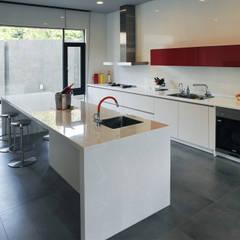 室內設計 豐原 WL House:  廚房 by 黃耀德建築師事務所  Adermark Design Studio
