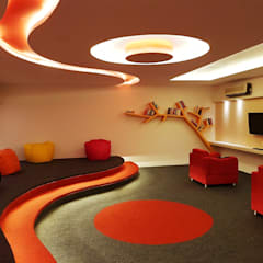 Office Space :  Study/office by MADE AFTER DESIGN LLP