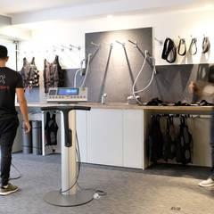 MY BIG BANG - Rue des Jeûneurs: Espaces commerciaux de style  par Atelier Sylvie Cahen