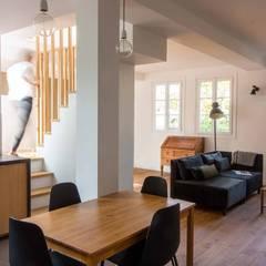 Rue Titon: Cuisine intégrée de style  par Atelier Sylvie Cahen