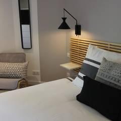 MAISON des VACANCES / LOCATION DE LUXE: Chambre de style  par monicacordova