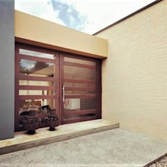 أبواب تنفيذ David Macias Arquitectura & Urbanismo