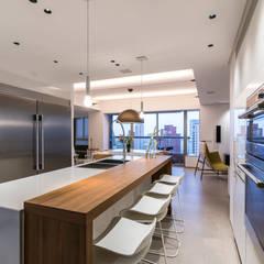 : Cocinas equipadas de estilo  por Design Group Latinamerica,