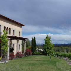 Vivienda en Algodon Wine Estates - Lote E11: Casas de campo de estilo  por Azcona Vega Arquitectos