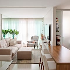 Living room by Stúdio Ninho
