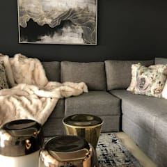 Musgrave Renovation:  Living room by Adore Design