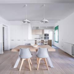 Can Fabregas : Comedores de estilo  de LaBoqueria Taller d'Arquitectura i Disseny Industrial