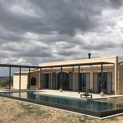 casa Mety 3: Casa unifamiliare in stile  di G'n'B studio